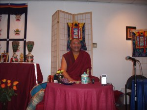 Drupon Thinley Ningpo teaching in Va Beach (October 2009)