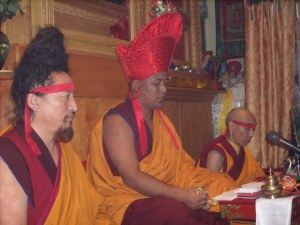 Khenpo Tsultrim Tenzin as Vajra Master (Chenrezig permission blessing)