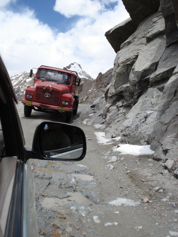 Pilgrimage to Ladakh - Kardung la Pass (4/6)